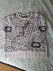 ITEM '80s knit top SIZE unknown DESIGNER C&A Canda MATERIAL unknown (perhaps cotton) CONDITION Very good