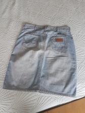ITEM Denim knee length skirt SIZE 31 DESIGNER Wrangler MATERIAL Denim CONDITION Very good
